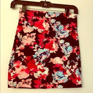 CR Cute stretchy floral skirt